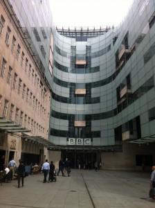 Di depan BBC Radio.
